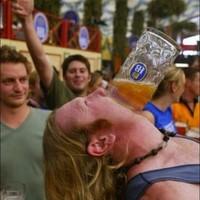 Így kell inni a sört!