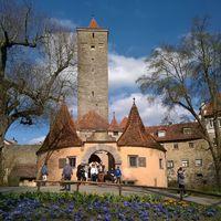 Bajorország fallal körülvett romantikus mesevárosai