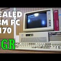 Közel 30 éves IBM PC kicsomagolása