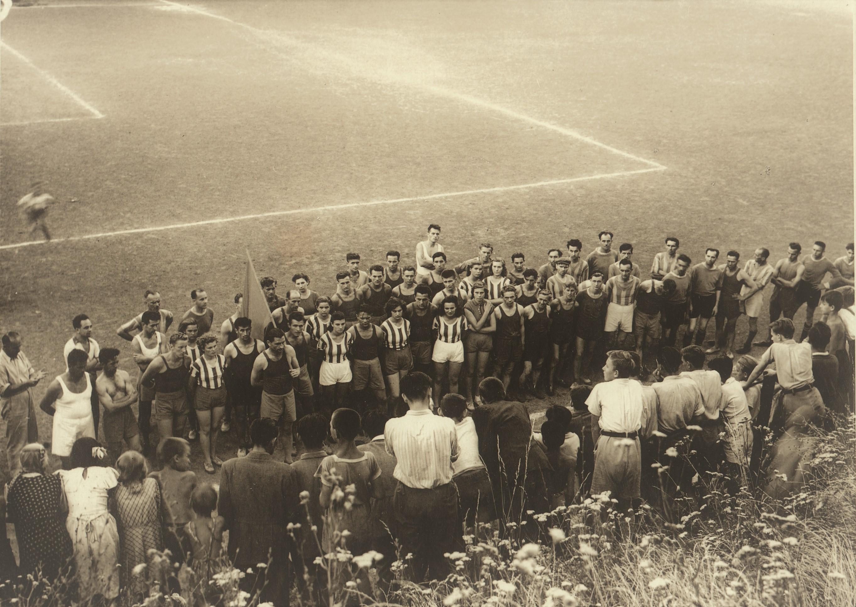 85_253_90_perecesi_sportolok_1948_1.jpg