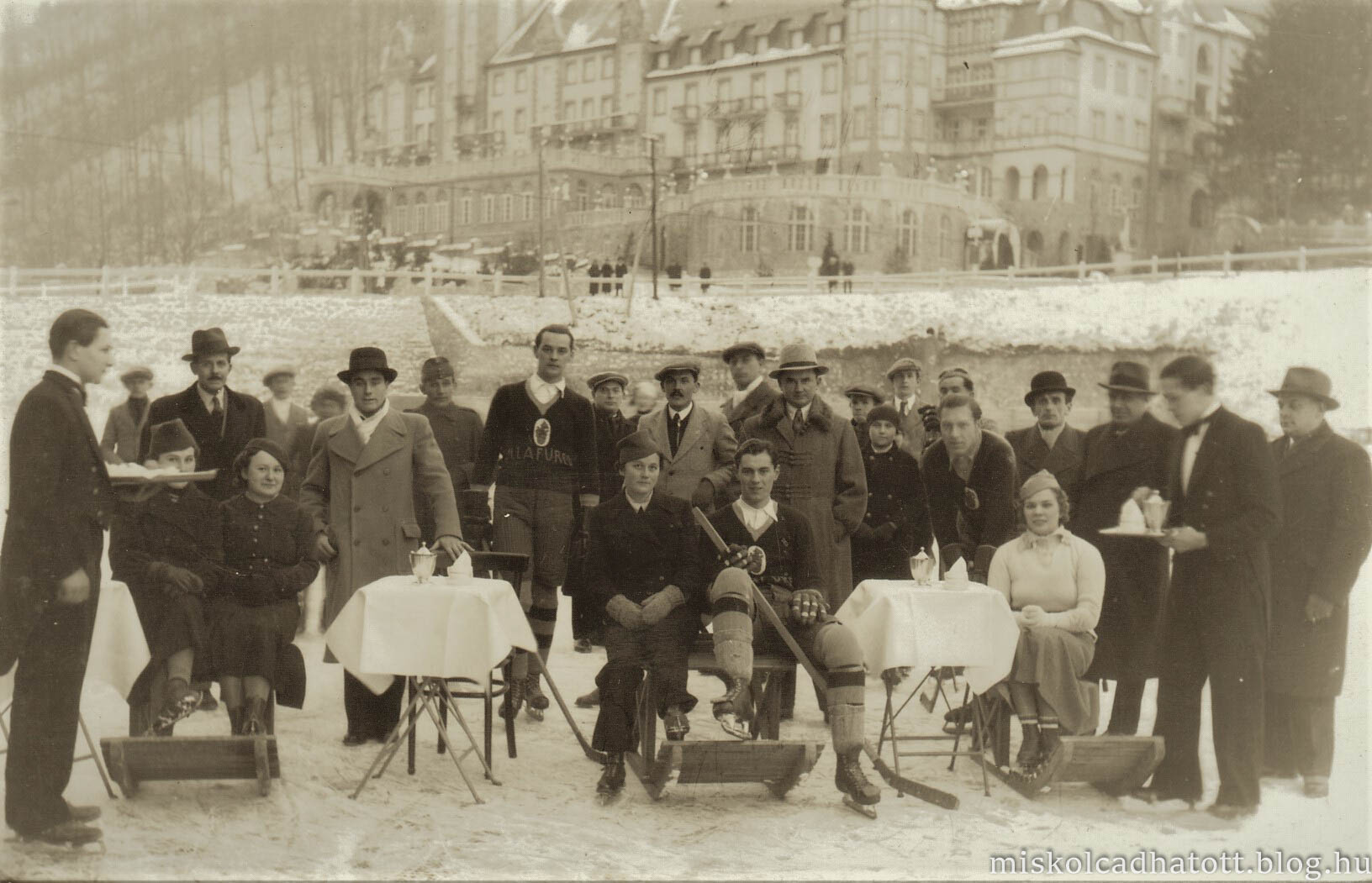 85_253_78_jeghoki_csapat_a_hamori_tavon_1936.jpg