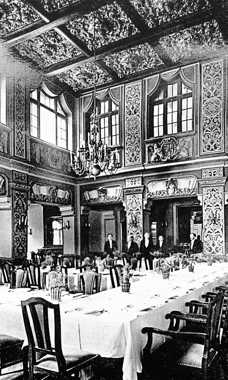 A nagy étterem (akkor Mátyás, ma Hunyadi étterem) 1936-ban