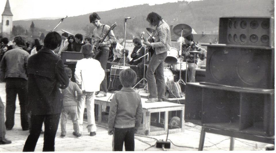 Rock koncert a Diófa étterem teraszán 1984-ben
