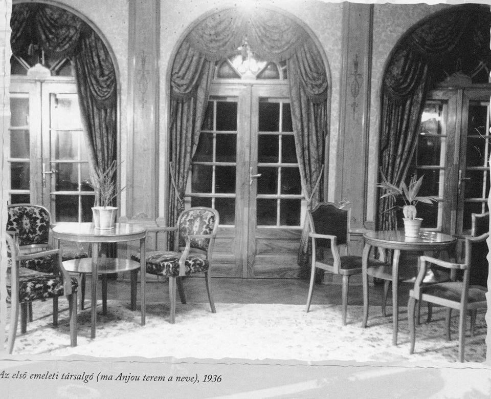 Az Anjou terem 1936-ban