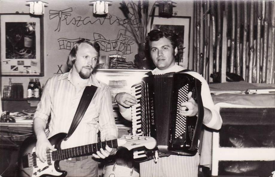 Zenészek az étteremben