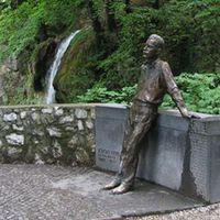 József Attila (1905-1937) szobra Lillafüreden
