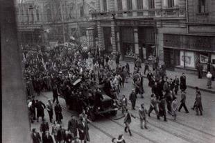 Az '56-os sortűz egy katona szemével - interjú Ondrasek Ivánnal