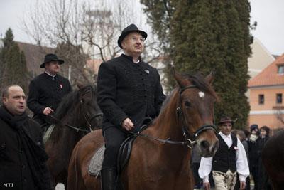 lovak koháron.jpg