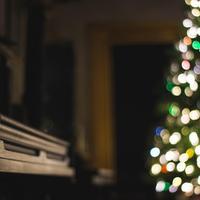 Karácsonyi dalok, amik visszaadják a zenébe vetett hitünket