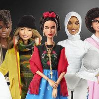 Barbie babák a női példaképek képviseletében