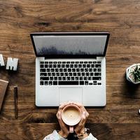 5 tipp a praktikus és látványos íróasztalért!