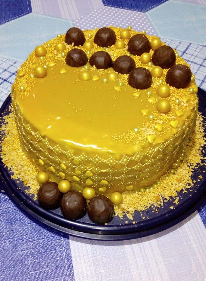karamelltorta_feher_csokolades_mazzal_3_v2.jpg