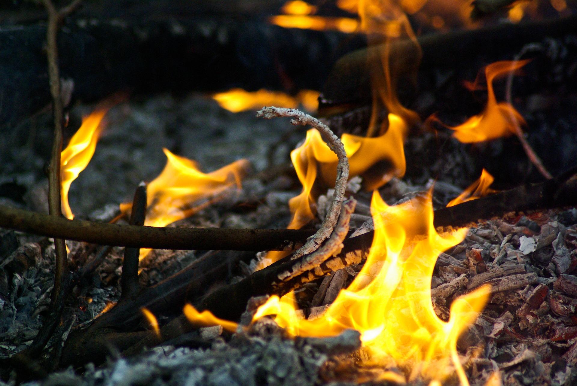 fire-4095295_1920.jpg