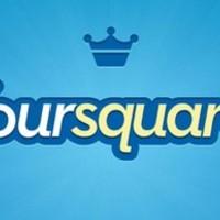 Okostelefonos, bankkártyás kuponokkal erősít a Forsquare