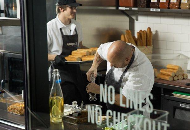 chef-kitchen-desktop_v523327237.jpg