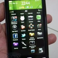 Újabb fotón a BlackBerry Touch