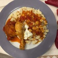 Tejfölös csirkepaprikás nokedlivel