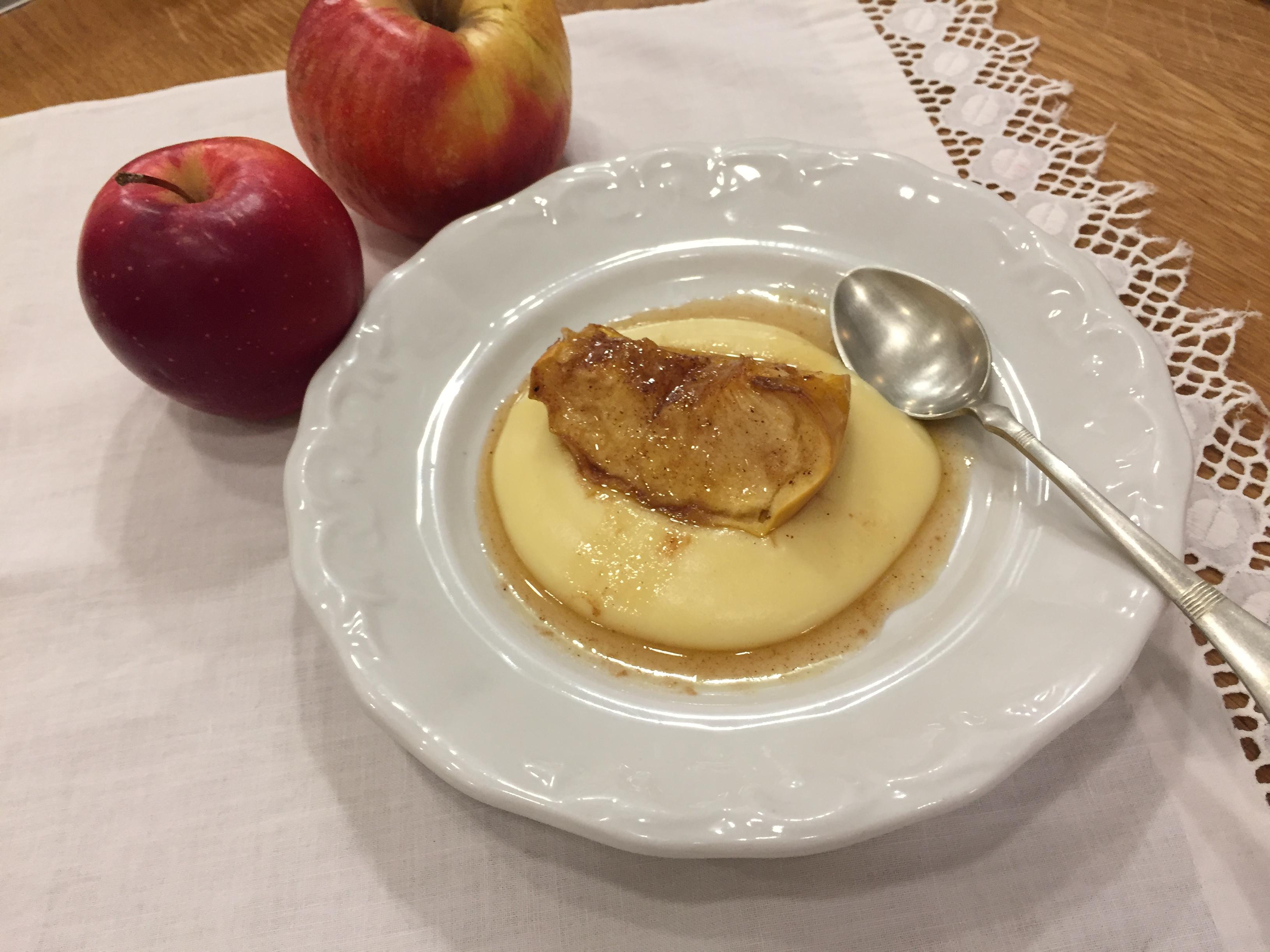 Sült alma vaníliakrémmel
