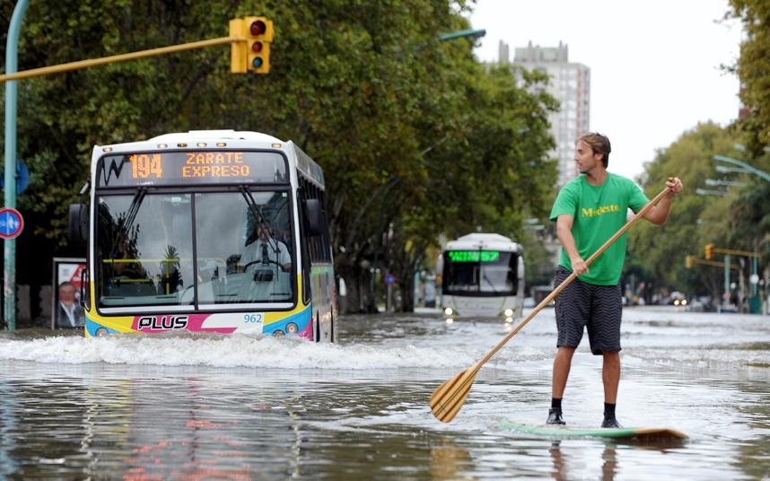 buenos-aires-flood_2525462k.jpg