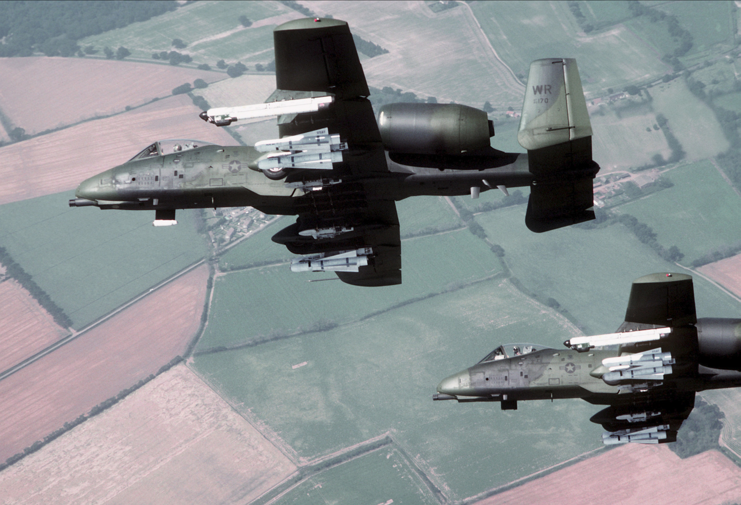 a-10_thunderbolt_ii_aircraft_banking_to_the_right.jpg