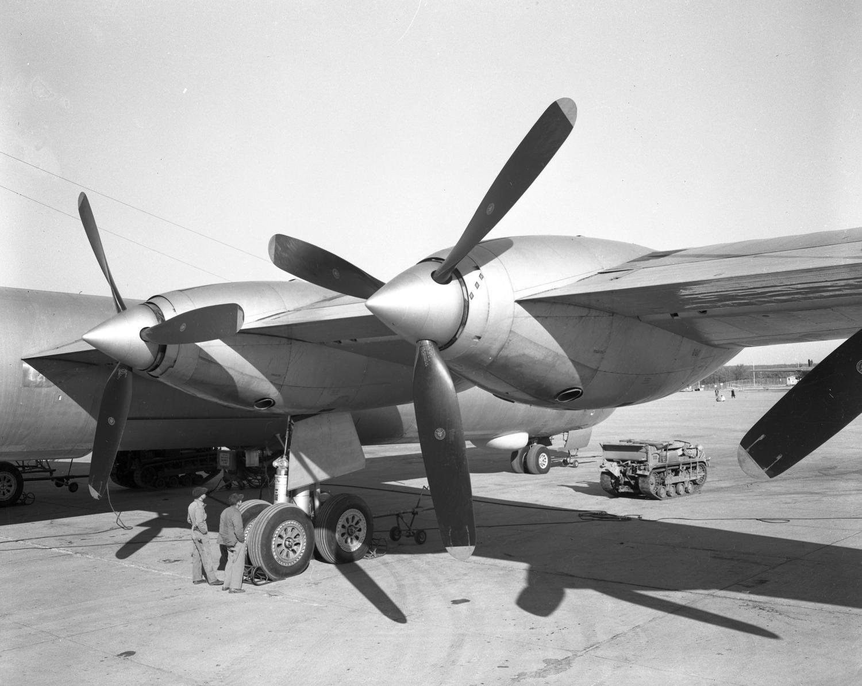 b-36_propeller_front_view_jpg_original.jpg