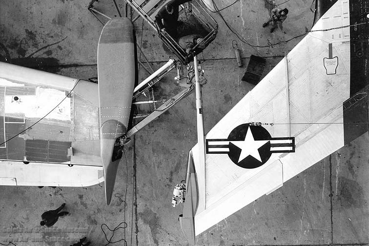 26-2154_jrb-36f_49-2707_rf-84f_51-1849_wing_tip_coupling_mechanism_l.jpg
