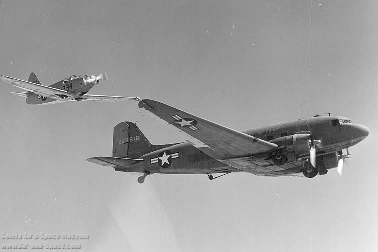 c-47a_42-23918_q-14b_44-68334_tip_coupled_a_right_front_in_flight_l.jpg