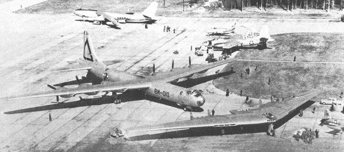 b-49-cel.jpg