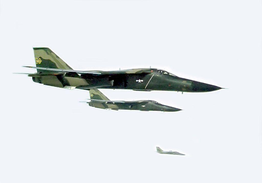 1024px-f-111as_combat_lancer_1968.jpg