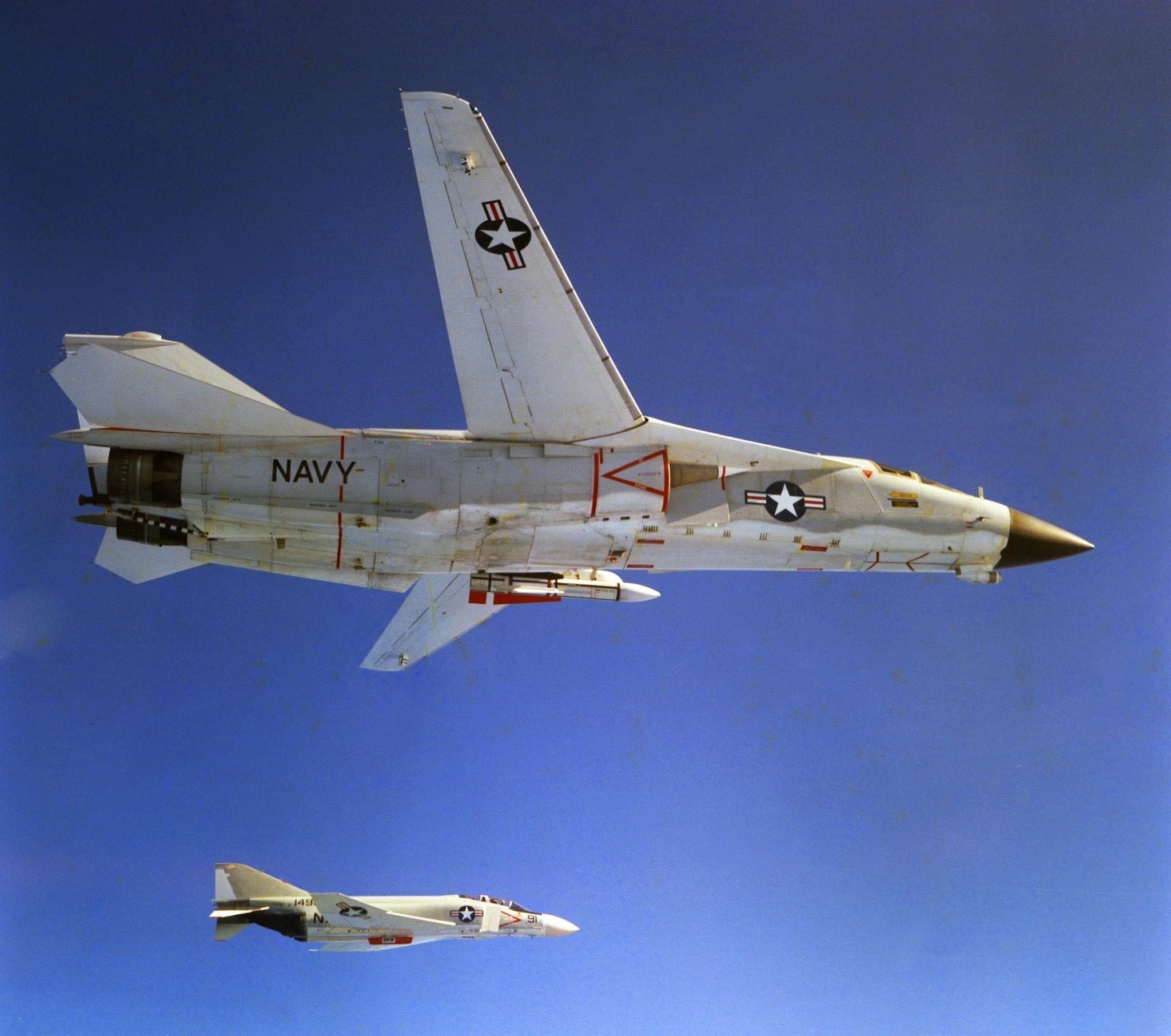 f-111b_f-4.jpg