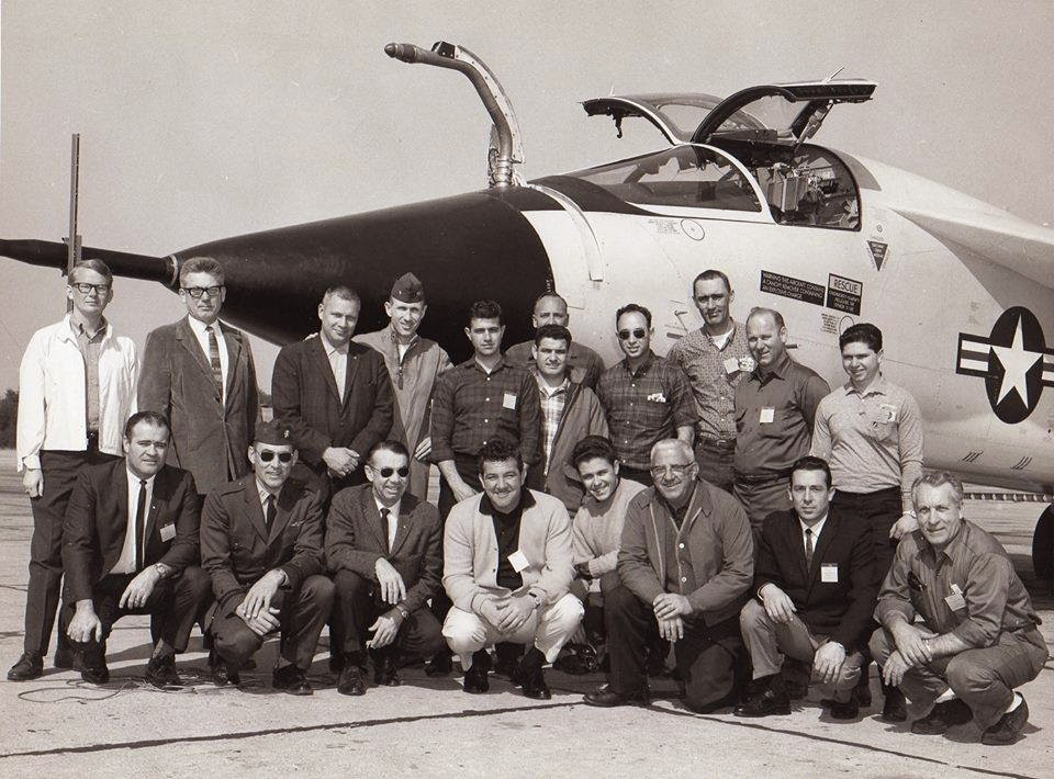 f-111b_inflight_refueling_probe.jpg