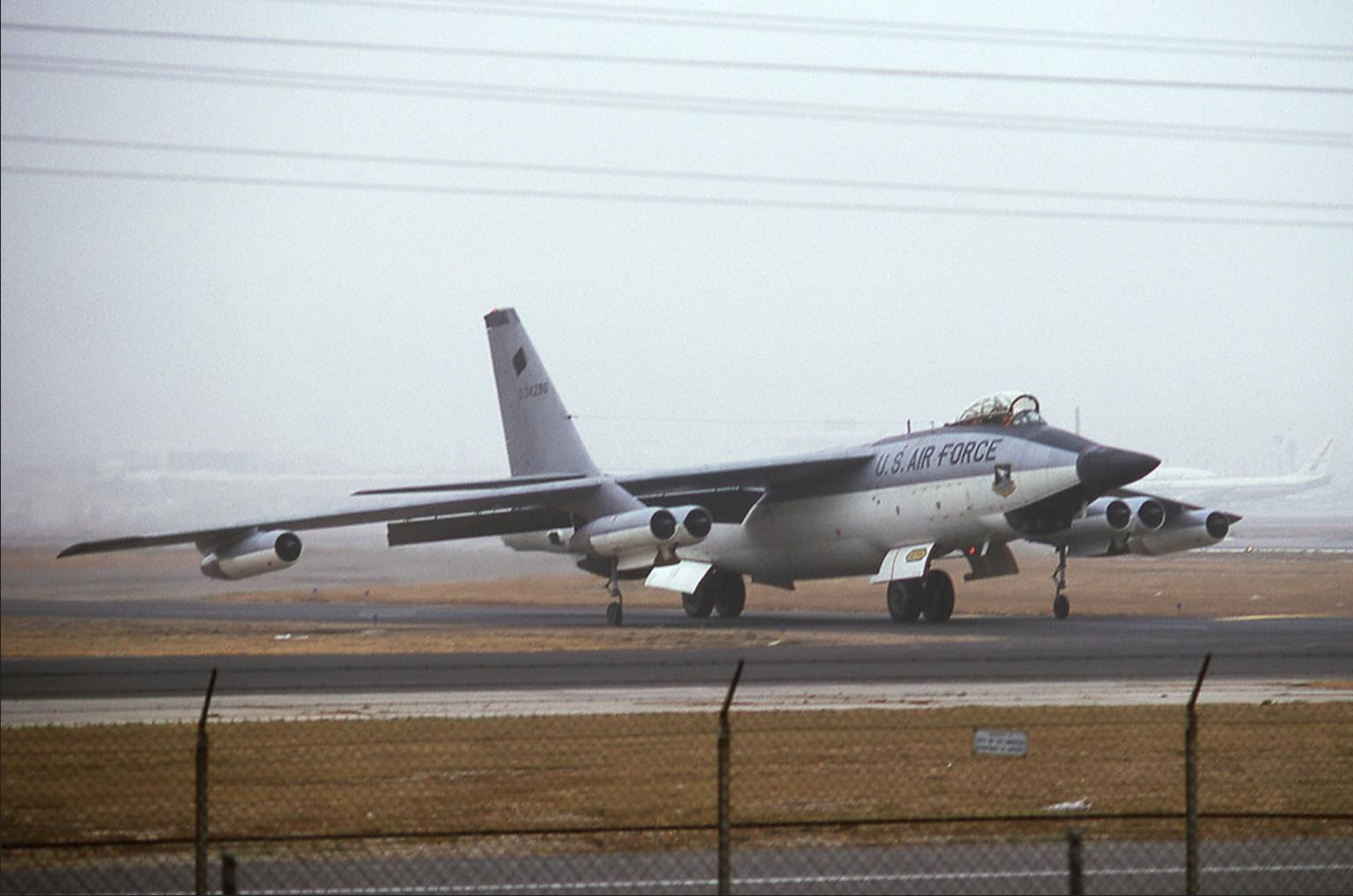f-111_nose_radar_test_last_usaf_b-47_to_serve.png