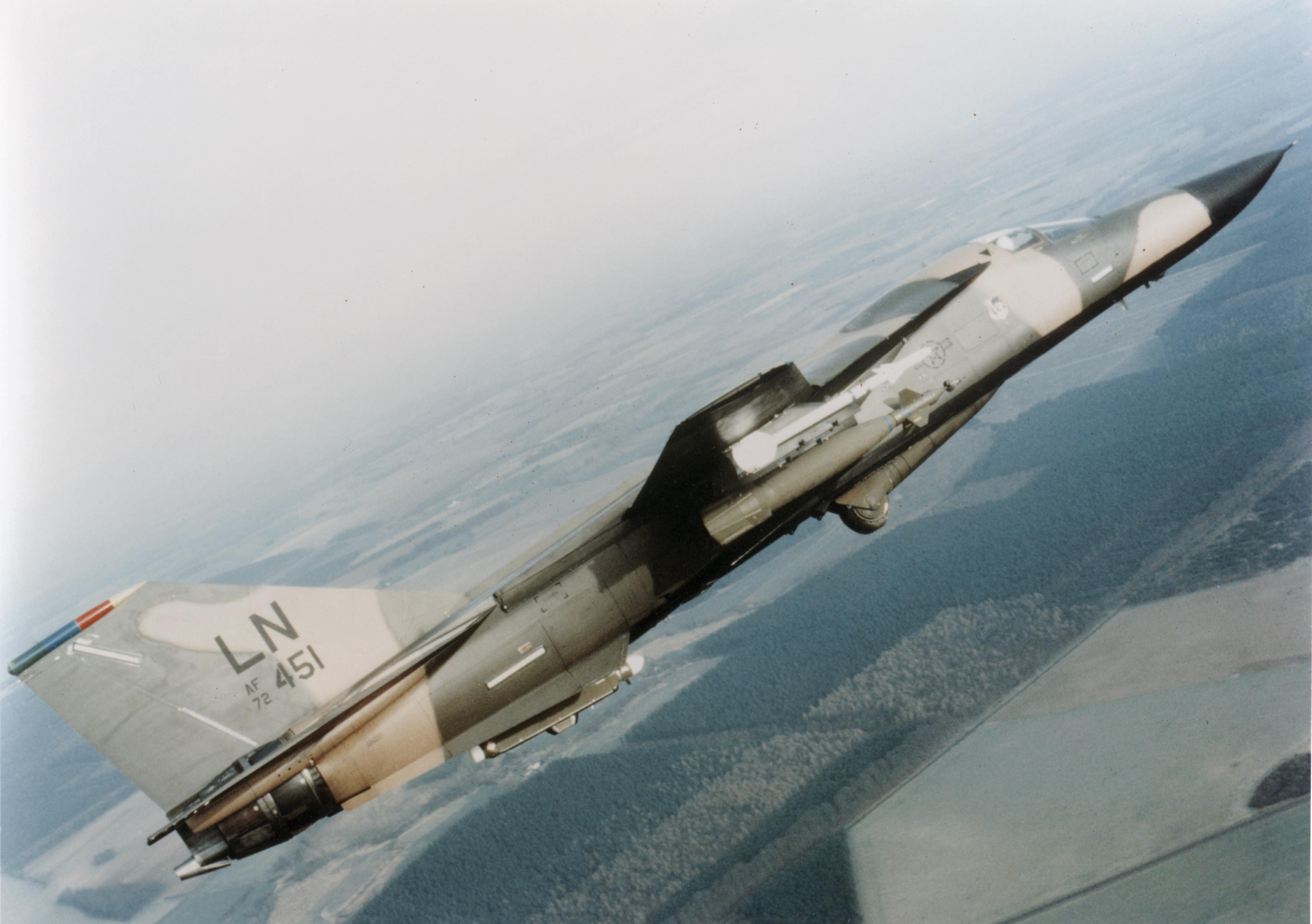 f-111-in-flight_jpg_pc-adaptive_full_medium.jpg