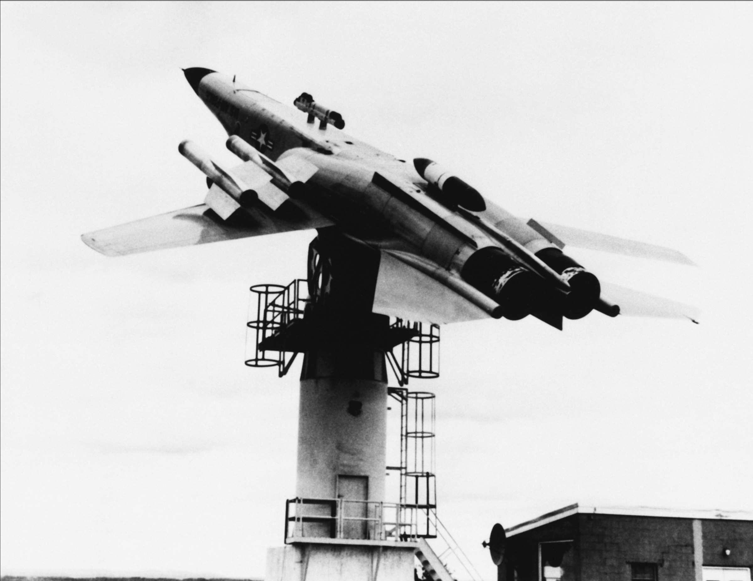 full_scale_model_of_f-111_fighter_aircraft_is_mounted.png