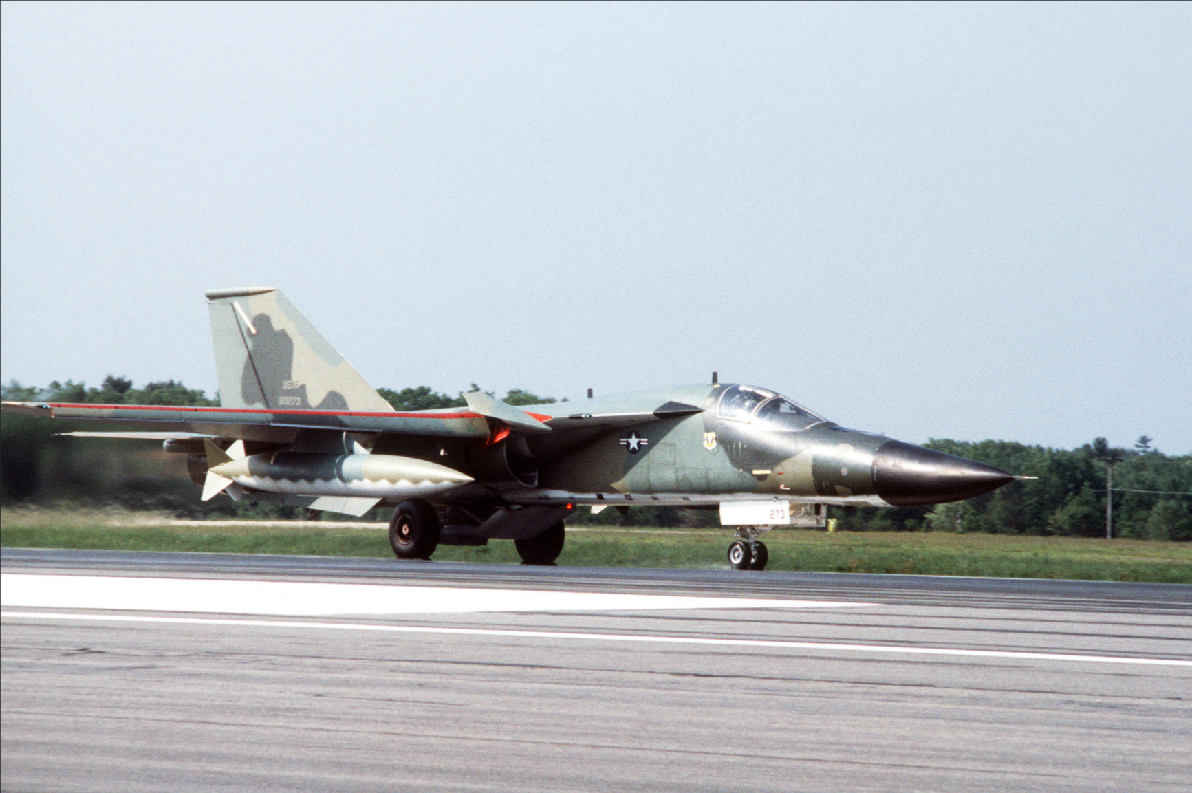 right_side_view_of_an_fb-111a_aircraft_of_the_509thk.png