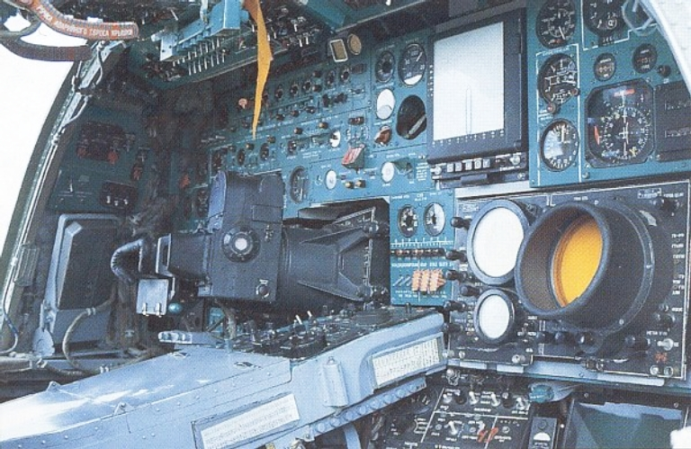 000-backfire-c-cockpit-5s.jpg