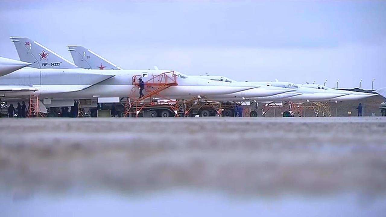 aviapark-tu-22m3na-aviabaze-hmeymim-vsirii.jpg