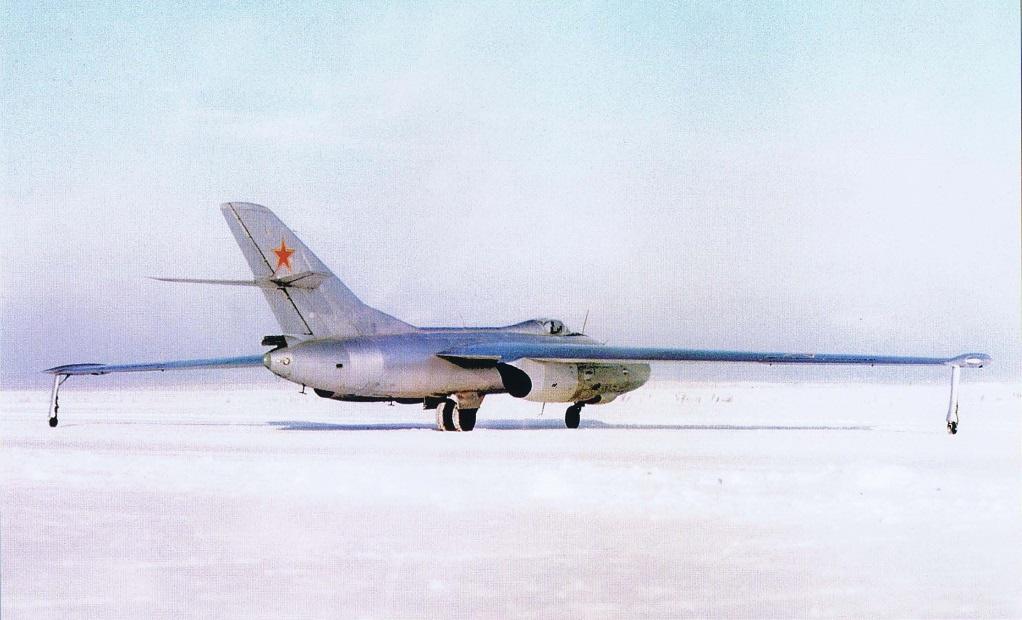 yak-25rv_mandrake_9.jpg