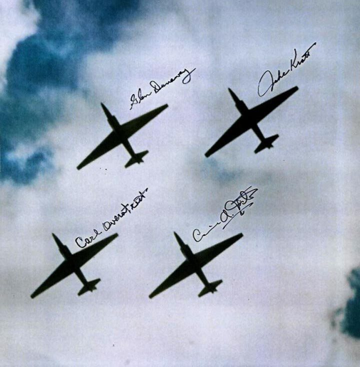 u-2_diamond_formation_lores.jpg