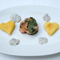 VKF! XIX.- Spenótos ricottás lazactekercs szív alakú grillezett polentával és szarvasgombás mascarpone mártással