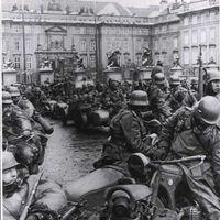 Az első motorostalálkozó Prágában