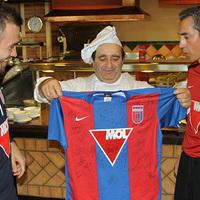 Paulo Sousa magyarul köszöntötte játékosát