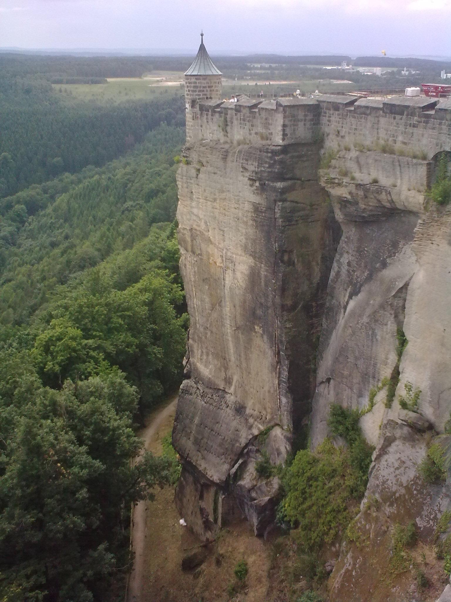 Königstein, ilyen sziklákra épült a vár