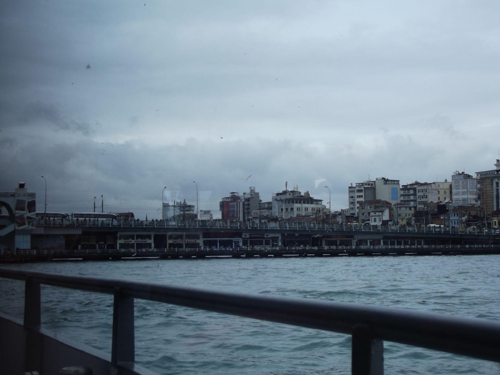 Galata-híd a hajóról