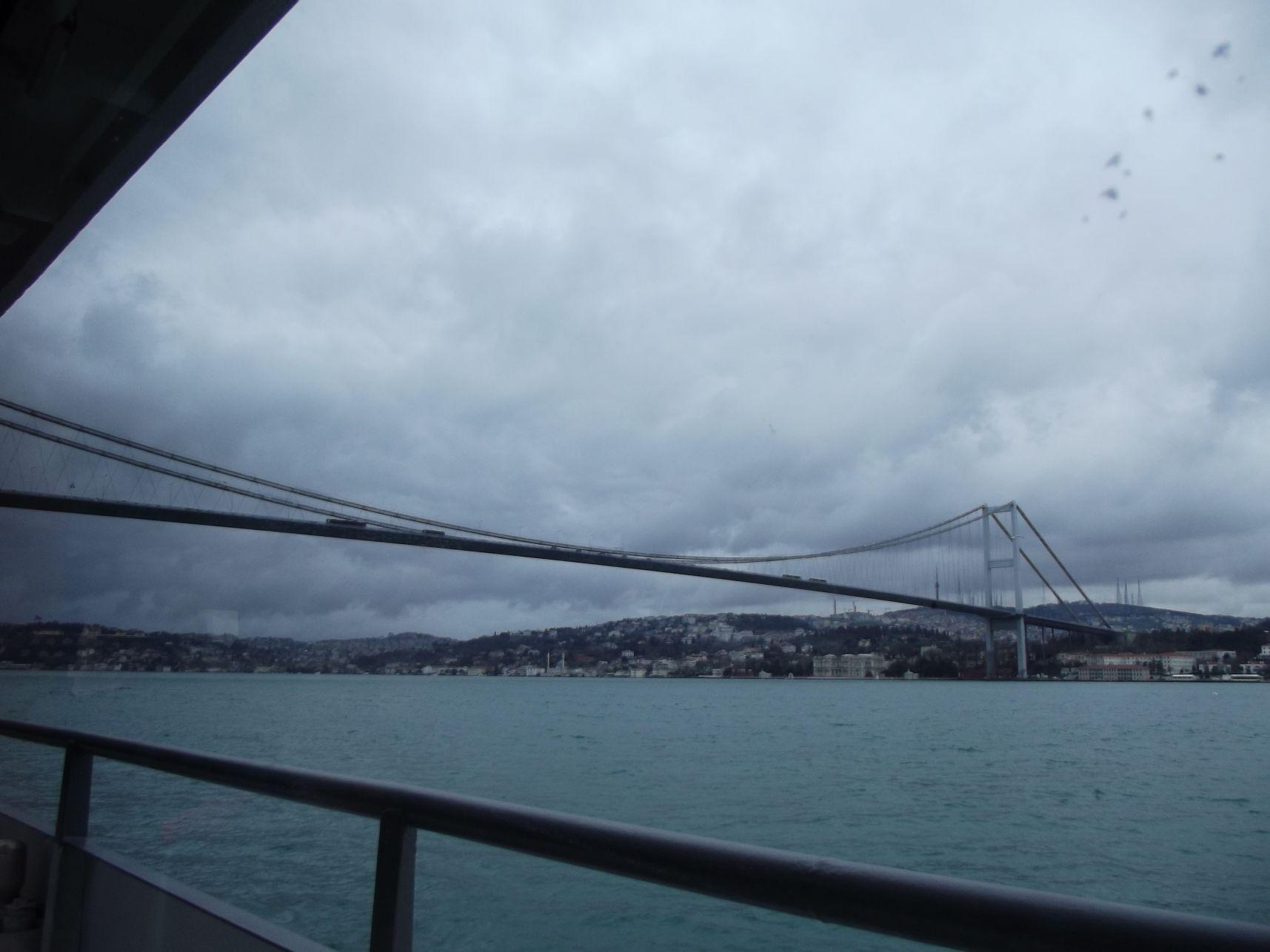 Boszporusz-híd a hajóról