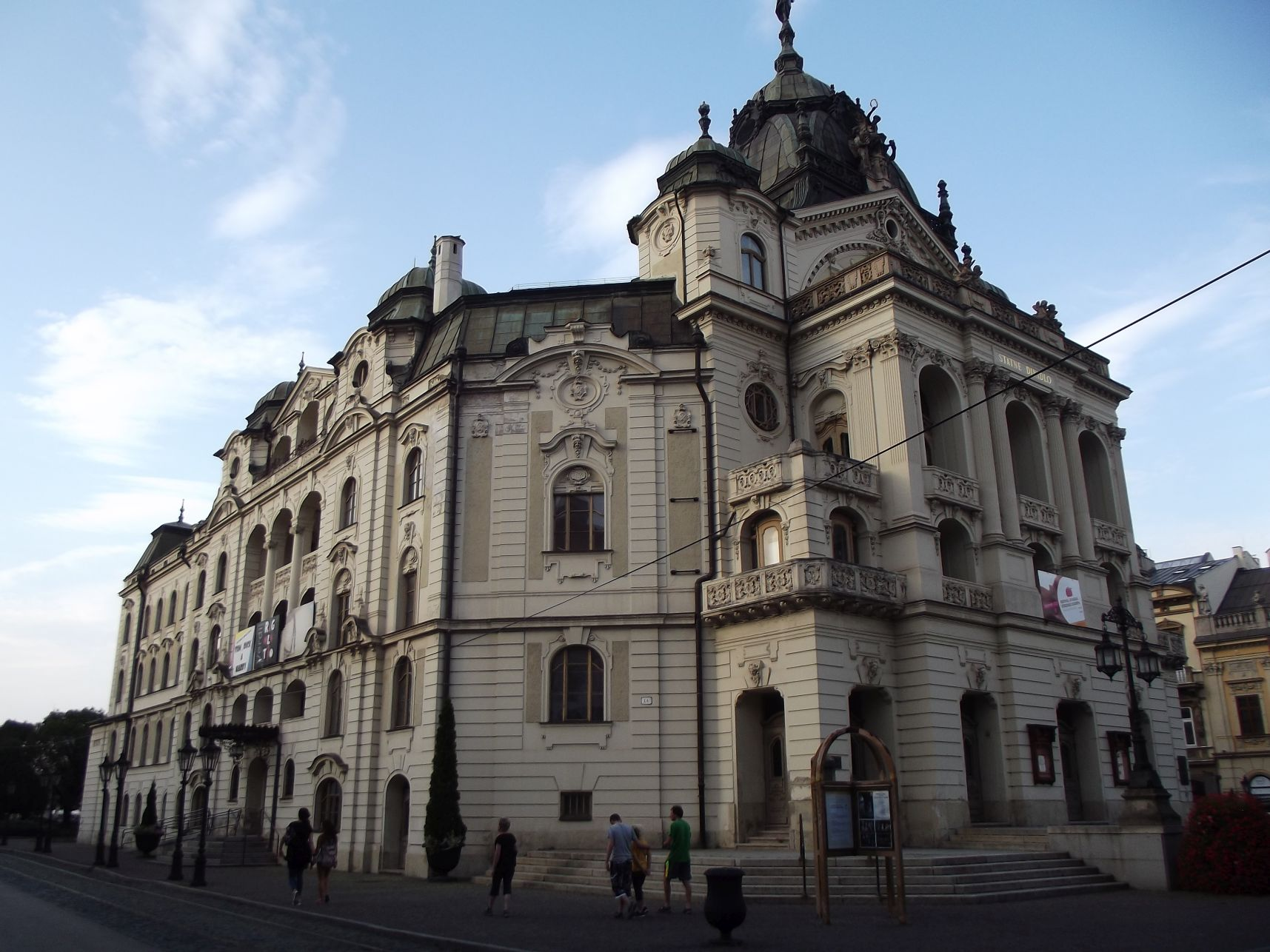 21_Állami Színház