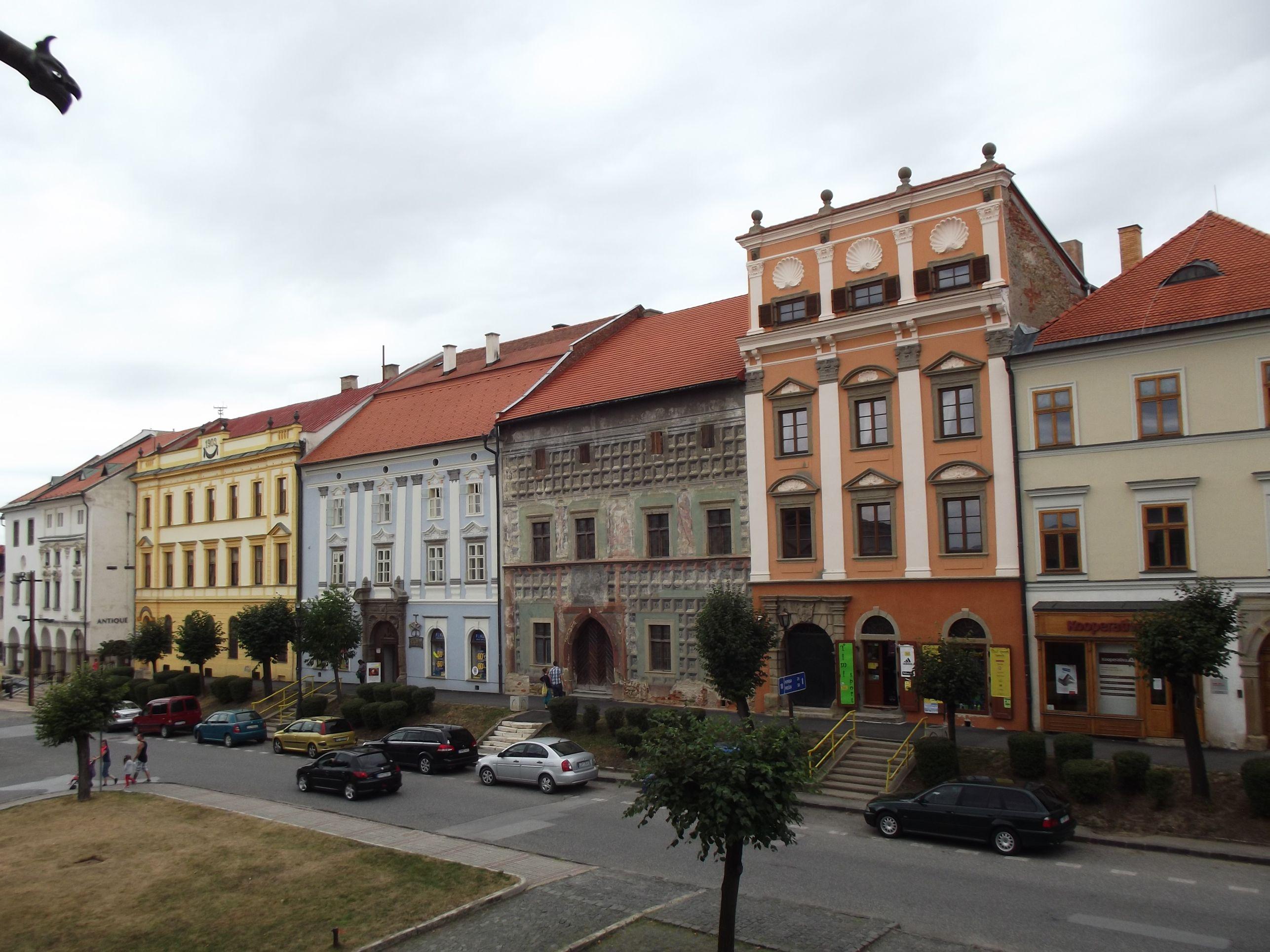 Krupek, Spillenberger és Máriássy ház