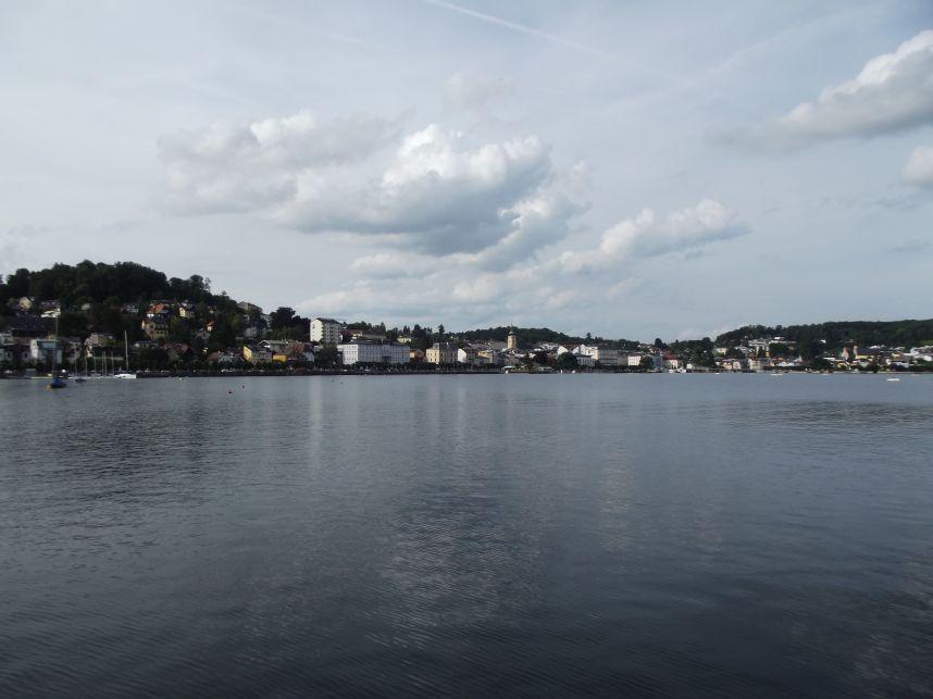 Gmunden, a város a tó felől