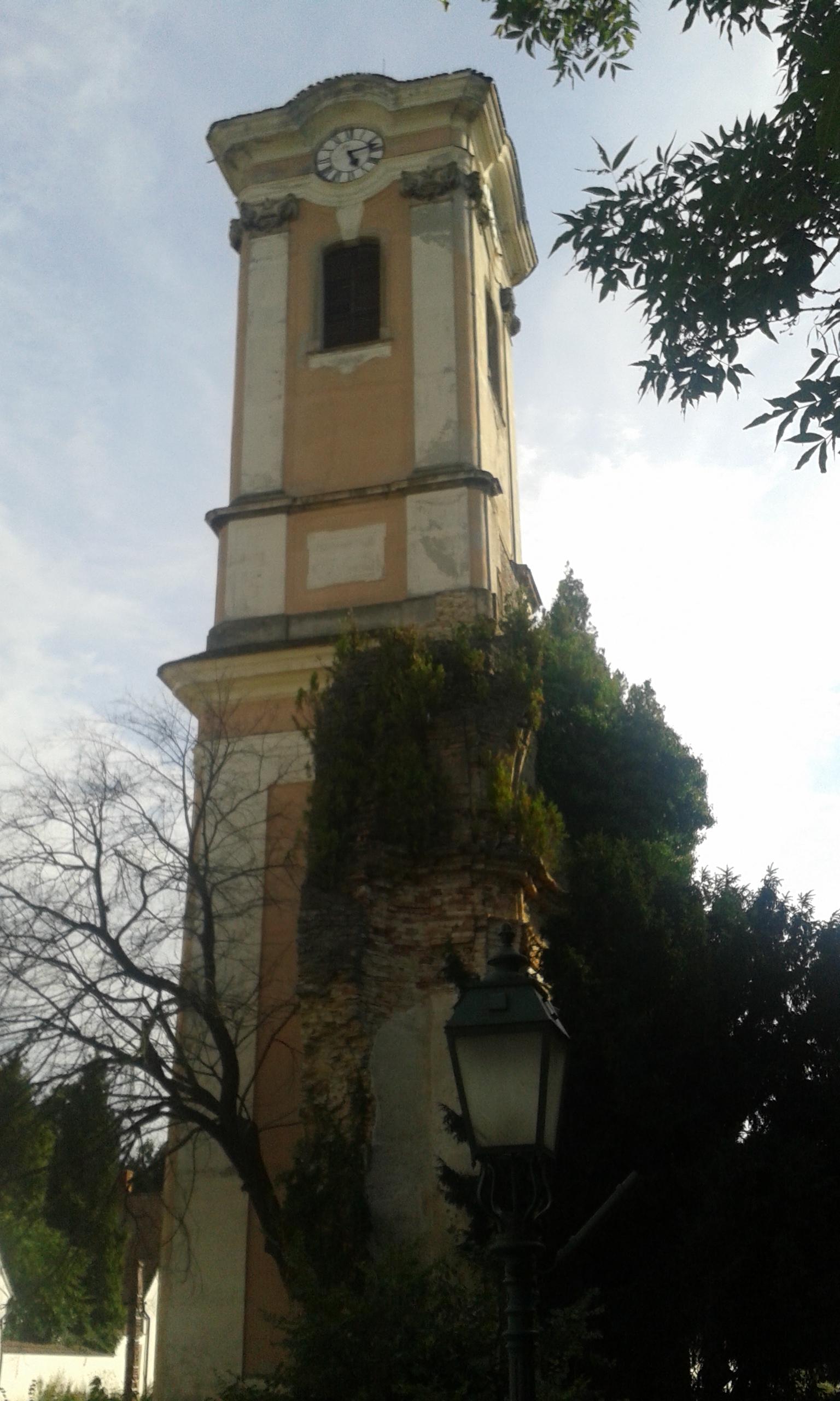 A templomból megmaradt torony