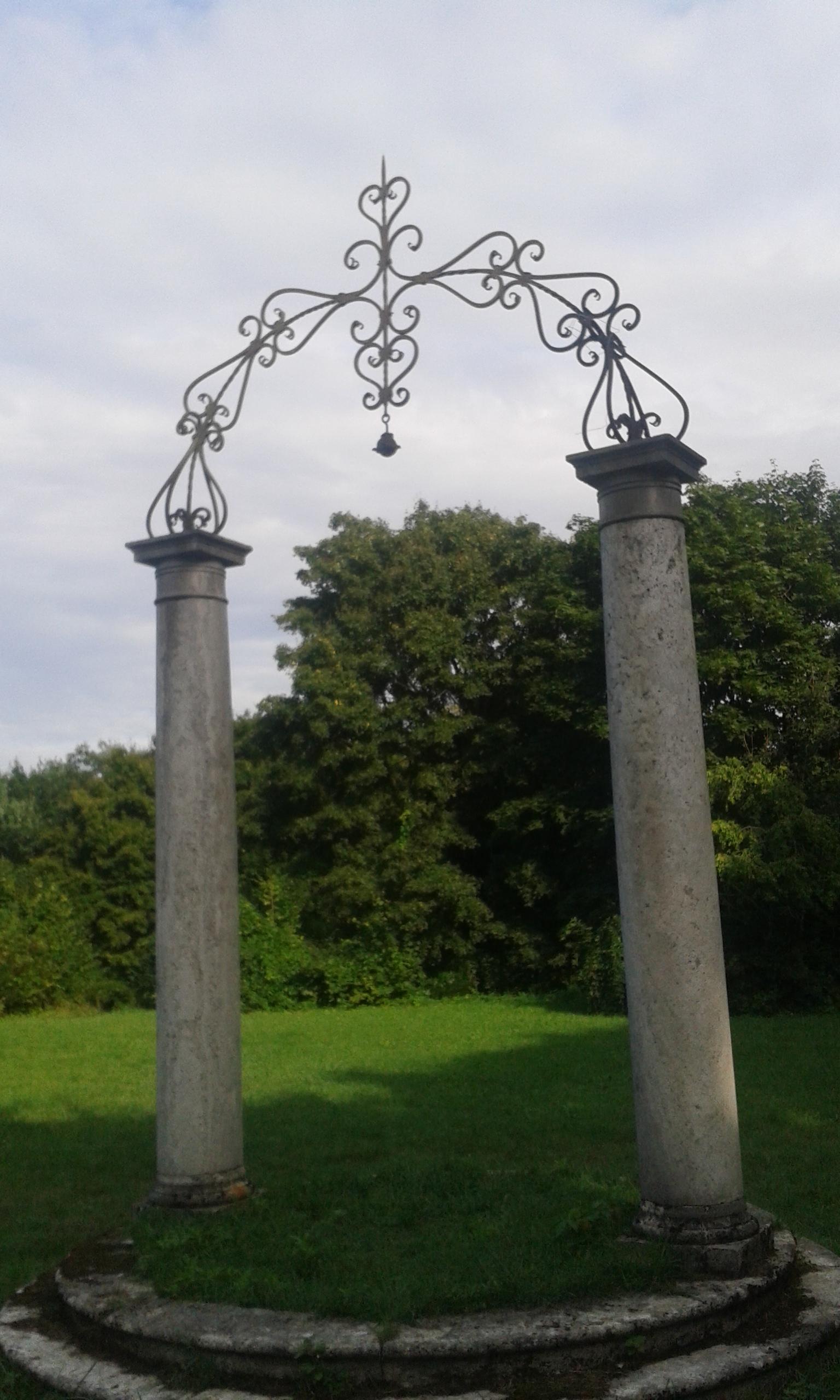 A konventépület kertje